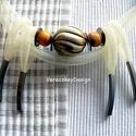 Csontos nagybogyós-sodronyos nyakék /  6F-056, Ékszer, óra, Ruha, divat, cipő, Nyaklánc, Ékszerkészítés, Tört-fehér  műanyag sodronyból készítettem ezt a nyakéket, melynek díszítése a dupla soron elhelyez..., Meska
