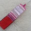 -50% JAN. 31.-IG! : Vonalzóval piros-rózsaszínben, Ékszer, Nyaklánc,   Egy szép, halvény rózsaszín 2x2cm-es ezüstfóliás üveglapocska van a nyaklánc központi helyén. A sz..., Meska