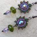 Elnyíló ibolya- füli, Ékszer, Nyaklánc, Egy jisebb, 4,5cm-es fülike szép lila és aranyló zöld színekben. Különleges csillanású közepe teszi ..., Meska
