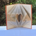 Könyvszobrászat Kezdőbetűk Esküvőre nászajándékba, Dekoráció, Otthon, lakberendezés, Esküvő, Ünnepi dekoráció, Papírművészet, Újrahasznosított alapanyagból készült termékek, Esküvőre vagy hivatalos?  Nincs nászajándékod és egy különleges, egyedi, személyre szabott ajándéko..., Meska