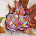 Őszi levél kitűző, Ékszer, Bross, kitűző, Hímzéssel díszített őszi levél kitűző.  100% handmade, Meska