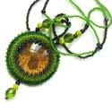 Zöld szerencse nyaklánc, Ékszer, Nyaklánc, Ékszerkészítés, Gyöngyfűzés, Nyaklánc különleges egyedi medállal. Üveglencse alá lóherét ls arany csillámport ettem, gyöngyökkel..., Meska