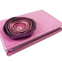 Poppys bankkártyatartó , Naptár, képeslap, album, Jegyzetfüzet, napló, Gyönyörű pink bőrből vidám rózsaszín és árnyalataiból készített poppyval díszítettem ezt a  bankkárt..., Meska