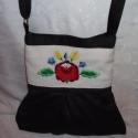 Kalocsaival hímzett textilbőr táska, Táska, Tarisznya, Válltáska, oldaltáska, Akció!!! 5000 Ft helyett most 4000 Ft. Fekete, finom textilbőrből készítettem ezt a táskát. A..., Meska