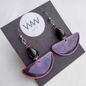 Tűzzománc fülbevaló díszdobozban - lila színben, fekete ásványgyönggyel és lila swarovski gyönggyel