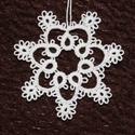 Frivolitás/hajós csipke lógó karácsonyfadísz - hópehely, Frivolitás/hajós csipke technikával készült k...