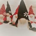 Fekete Skandináv manó ajándék csomagolással együtt :)!, Játék, Karácsonyi, adventi apróságok, Játékfigura, Karácsonyi dekoráció, Ez a cuki, szép manócska nem a megszokott színösszeállítással készült el, pont ezért olyan különlege..., Meska