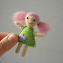 Róza baba, Dekoráció, Játék, Dísz, Játékfigura, A baba feje, haja és végtagjai tűnemezelés technikával készültek, a ruhácskája gyapjúfilc. Kézzel va..., Meska