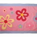 Virágos ágytakaró, Baba-mama-gyerek, Gyerekszoba, Falvédő, takaró, Applikációval készült ágytakaró kislányoknak. MEGRENDELÉSRE Méret:200X123 , Meska
