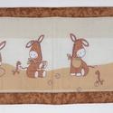 Falvédő, Baba-mama-gyerek, Gyerekszoba, Falvédő, takaró, Jó minőségű pamutvászonból, vatelinnel bélelve készítettem a falvédőt. Méret:93X42 cm Hátsó bújtatók..., Meska