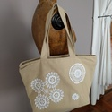 Csipkés válltáska, Táska, Válltáska, oldaltáska, Rusztikus vászonból varrt táska csipke dekorációval. Cipzáras, belső zsebes.  Méretek:  szé..., Meska