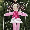 Csattartó Panni , Gyerek & játék, Gyerekszoba, Tárolóeszköz - gyerekszobába, A vidám textilekkel, a baba mosolygós pofijával bájos dekorációja lehet a kislány szobáknak. Emellet..., Meska