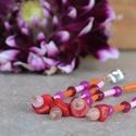 Rózsaszínű, narancs és piros fülbevaló korallal, Ékszer, Fülbevaló, 0,8 mm-es szalmagyöngy csövecskékből, jáde ásványgolyókból (4 mm), és korallból készült fülbevaló - ..., Meska