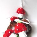 Filc gombák, Dekoráció, Ünnepi dekoráció, Karácsonyi, adventi apróságok, Karácsonyi dekoráció, Karácsonyfadísz, A karácsony meghitt hangulatát idézik fel a kis filcből készült gombák.     Kézimunka.   , Meska
