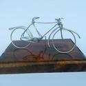 Kerékpár, Dekoráció, Férfiaknak, Otthon, lakberendezés, Mindenmás, Kerékpár Egyedi ajándék, drótból készített kerékpár.A biciklik átlagosan 10 cm magasak és 17cm*12cm ..., Meska