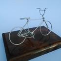 BMX kerékpár, Dekoráció, Férfiaknak, Otthon, lakberendezés, Mindenmás, BMX Kerékpár Egyedi ajándék, drótból készített kerékpár.A biciklik átlagosan 10 cm magasak és 17cm*1..., Meska