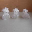 Viluska angyalai, Karácsonyi, adventi apróságok, Karácsonyi dekoráció, Karácsonyfadísz, Mindenmás, Ezek a kis angyalkáim fényes fehér organza ruhába öltöztek,így várják az ünnepeket.Fejük préselt pa..., Meska