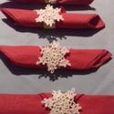 Hópihés szalvétagyűrűk, Dekoráció, Ünnepi dekoráció, Karácsonyi, adventi apróságok, Karácsonyi dekoráció, Az ünnepi asztal díszítésére készítettem ezeket az egyedi szalvétagyűrűket!Fehér hópihé..., Meska
