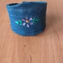 Lila virágos farmer karpénztárca, Táska, Pénztárca, tok, tárca, Kék farmer anyagból varrtam karpénztárcát.Lila virág és zöld levél strasszkővel díszítet..., Meska