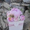 Rózsabox fa dobozban vintage rózsaszín vegyes selyem virágokkal, Virágdoboz rózsaszín vintage színekből álló...