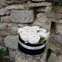 Kerek rózsa box bézs vintage pasztell virágokkal, A kerek virágdoboz bézs-púder vintage selyemvir...