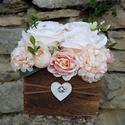 Rózsabox fa dobozban vintage bézs-púder virágokkal, PEDAGÓGUSNAPRA  TANÁR-TANÍTÓ ÉS ÓVÓ NÉNIKN...