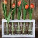 Virágtartó 5 üveggel, Otthon, lakberendezés, Esküvő, Kaspó, virágtartó, váza, korsó, cserép, Esküvői dekoráció, Famegmunkálás, Festett tárgyak, Tavaszi vidámságot árasztó virágtartó, egyszerűen kedves dísze lehet otthonunknak. Anyaga fa, 5 kis..., Meska