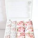 Roses Letters; Gift Box, Dekoráció, Dísz, Festett tárgyak, Mindenmás, Ez egy üvegtetős ajándékdoboz. Zárható teteje és hátul képtartójának köszönhetően 3 dimenziós képké..., Meska