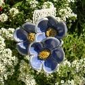 Kék  virágok, Dekoráció, Otthon, lakberendezés, Dísz, Kerámia, Fehérre égő agyagból készítettem ezeket a virágokat..   Mázazott,kétszer égetett kerámiák.A   virág..., Meska