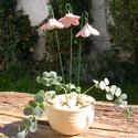 """Csengő-bongó    virágok, Dekoráció, Otthon, lakberendezés, Dísz, .Fehérre égő agyagból készítettem ezeket a  virágokat.   .A teljes virágfej átmérője 4,5 cm,"""" magass..., Meska"""