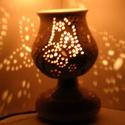 """Pillangós hangulatlámpa, Otthon, lakberendezés, Lámpa, Hangulatlámpa, Hangulatlámpa ami éjjel nappal szép. :) A lámpa alsó része porcelán, a """"lámpaernyőt"""" fehérre égő agy..., Meska"""