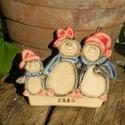 Pingvinek.:), Dekoráció, Karácsonyi, adventi apróságok, Ünnepi dekoráció, Karácsonyi dekoráció, Ez a vidám pingvin család már a karácsonyt várja. :) Kerülhetnek bejárati ajtóra,vagy az adventi dek..., Meska