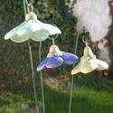 Türkiz és kék virágok, Dekoráció, Otthon, lakberendezés, Dísz, Fehérre égő agyagból készítettem ezeket a virágokat..   Mázazott,kétszer égetett kerámiák.A  virágok..., Meska