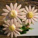 Rózsaszín virágok, Dekoráció, Otthon, lakberendezés, Dísz, Fehérre égő agyagból készítettem ezeket a virágokat..   Mázazott,kétszer égetett kerámiák. A  virágo..., Meska