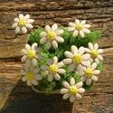 10 szál apró virág, Dekoráció, Otthon, lakberendezés, Dísz, Fehérre égő agyagból készítettem ezeket az apró virágokat..   Fehér színű natúr kerámiák,csak a virá..., Meska