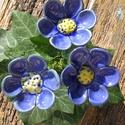 Kék virágok, Dekoráció, Otthon, lakberendezés, Dísz, Fehérre égő agyagból készítettem ezeket a virágokat..   Mázazott,kétszer égetett kerámiák.A   virágo..., Meska
