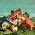 Házikók, Otthon, lakberendezés, Kaspó, virágtartó, váza, korsó, cserép, Kerti dísz, Az apró házikók mindig elvarázsolnak,akár fából,akár kerámiából készülnek.Otthonosak,bájosak,szeretn..., Meska