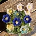 10 szál apró virág, Dekoráció, Otthon, lakberendezés, Dísz, Fehérre égő agyagból készítettem ezeket az apró virágokat..   Mázazott,kétszer égetett kerámiák. A  ..., Meska