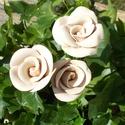 3 szál rózsa , Dekoráció, Otthon, lakberendezés, Dísz, Fehérre égő agyagból készítettem ezeket a rózsákat . Kétszer égetett,halvány rózsaszín mázas kerámiá..., Meska