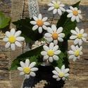 Fehér virágok, Dekoráció, Otthon, lakberendezés, Dísz, Fehérre égő agyagból készítettem ezeket az apró virágokat..   Fehér színű natúr kerámiák,csak a virá..., Meska