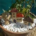 Házikók , Otthon, lakberendezés, Kaspó, virágtartó, váza, korsó, cserép, Kerti dísz, Az apró házikók mindig elvarázsolnak,akár fából,akár kerámiából készülnek.Otthonosak,bájosak,szeretn..., Meska
