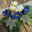 Virágok a réten, Dekoráció, Otthon, lakberendezés, Dísz, Fehérre égő agyagból készítettem ezeket a virágokat.  Mázazott,kétszer égetett kerámiák. A  kék virá..., Meska