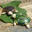 Teknősök a kertben, Otthon, lakberendezés, Kerti dísz, Fehérre égő agyagból készítettem ezeket a vidám teknősöket.Magas tűzön égetett ,natúr kerámiák,csak ..., Meska