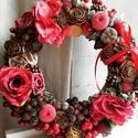 Kezdjük a tavaszt egy tüzes piros kopogtatóval:, Szerelmeseknek, Otthon, lakberendezés, Ajtódísz, kopogtató, Koszorú, Virágkötés, Szalma alapra készült ez a kb. 30 cm átmérőjű, valódi piros kopogtató. Ajánlható tavaszi ajtódísz g..., Meska