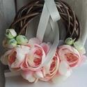 Virágos- Pasztell rózsaszín kopogtató, Dekoráció, Otthon, lakberendezés, Ajtódísz, kopogtató, Koszorú, Lehet tavaszi, de lehet nyári...Virágos kopogtató, pasztell rózsaszín árnyalatban... Fonott ve..., Meska