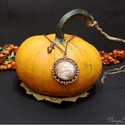 Réginek tűnő Vintage üveglencsés Velence medál, A medál egy sorozat része volt. A többi darab m...
