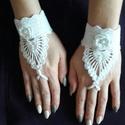 Horgolt kézfejdísz/csuklódísz, Ruha, divat, cipő, Kendő, sál, sapka, kesztyű, Kesztyű, Horgolás, Elsősorban esküvőre, alkalmi ruhához ,szalagavatóra, báli ruhához készült ez a kézfejdísz, amely em..., Meska