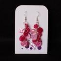 Rózsaszín fülbevaló, Ékszer, Fülbevaló, Rózsaszínű gombokból készült fülbevaló.  Hossza kb. 6 cm.  A fülbevaló alap, a lánc és a..., Meska