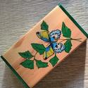 Fa doboz -3, Dekoráció, Dísz, Festett tárgyak, 14,5x8 cm-s festett fa doboz - szintén pillangós , Meska