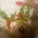 'Friss virágok'  - üvegmozaik lámpa, Képzőművészet, Otthon, lakberendezés, Lámpa, Hangulatlámpa, Decoupage, szalvétatechnika, Mozaik, Egy henger formájú,tejüveg lámpára ragasztottam papírmasé csíkokat, hogy megadjam a levelekből álló..., Meska